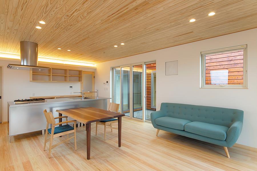 長岡市で新築のウッドデッキがある平屋住宅
