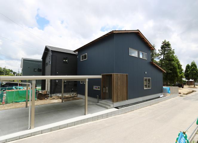 横越川根町の家