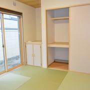 和室は、リビングと和室のつづき間に変更