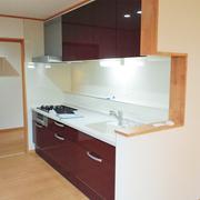 キッチンを入れ替え、そして隣には使いやすい食品庫