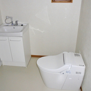 1階は洗面室とトイレを同室にして車いす対応型へ