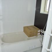 浴室を広くして、1階、2階に配置(1階浴室)