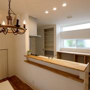 【BEFORE】壁付けのキッチンで使いづらい 【AFTER】照明にもこだわったLDK
