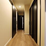 【BEFORE】廊下 【AFTER】各室への開口部は全て車いす対応に