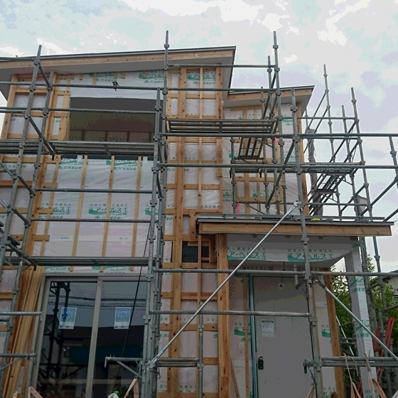 只今施工中です!W断熱+高気密、太平三丁目ZEH対応、建売モデルハウス