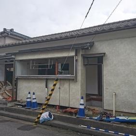 新潟市東区東中野山で解体工事が始まりました!!