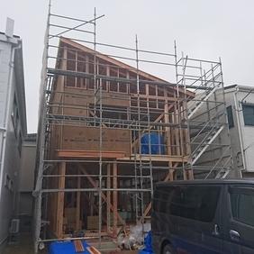 新潟市西区の新築現場が上棟しました
