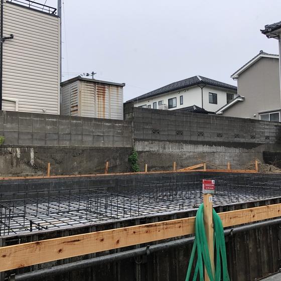 基礎工事と外壁リフォーム